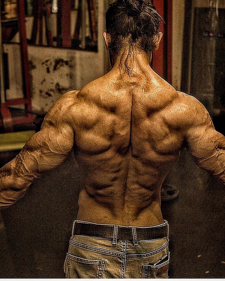 Arhan Ansari top model India - Flaunting his Back, and Shoulder