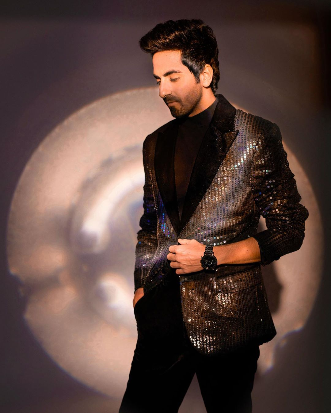 Ayushmann Khurrana top model India - posing in black suit