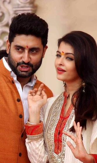 Abhishek Bachchan married November Born Aishwarya Rai - both are wearing traditional attires