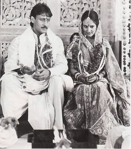 Jackie Shroff married June Born Ayesha Dutt both are wearing wedding cloths