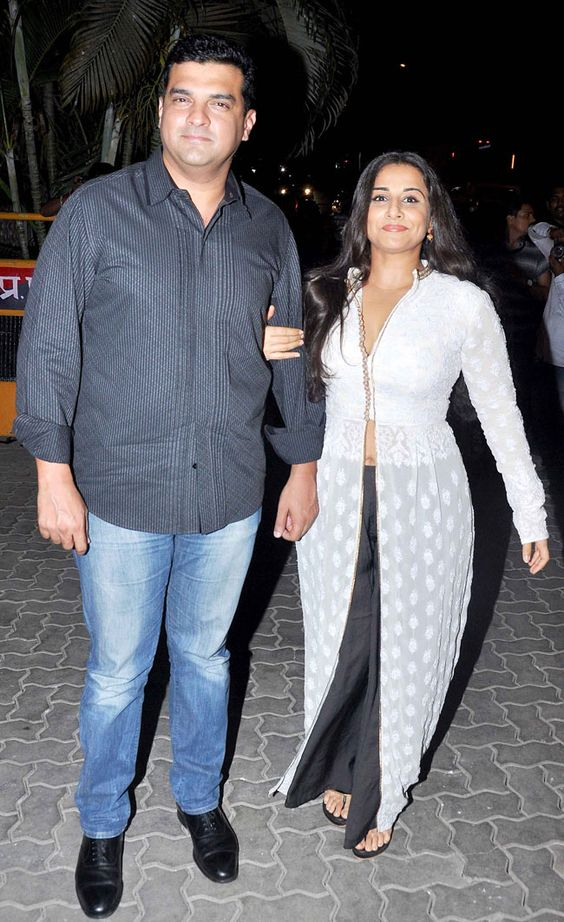 Vidya Balan married August Born Siddharth Roy Kapur - Both are looking gorgeous in white & black dress