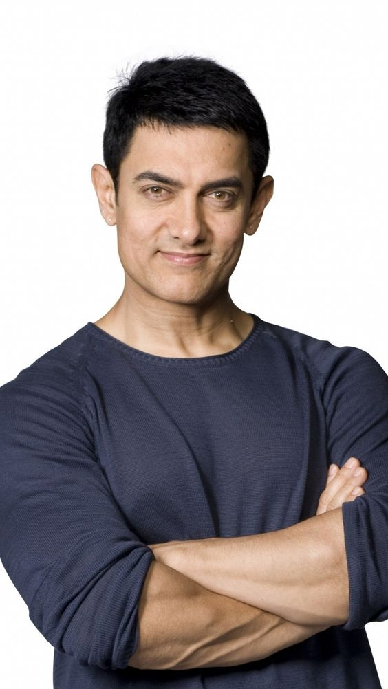 Aamir Khan wearing blue tshirt