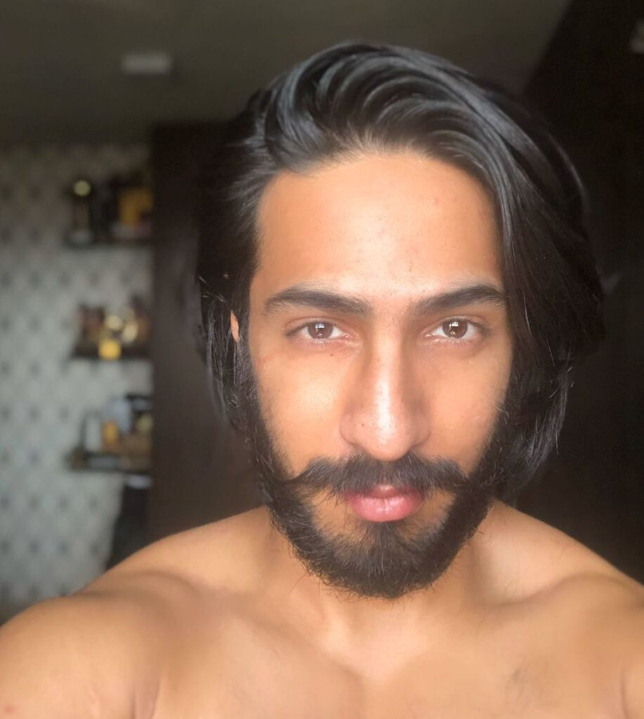 Thakur Anoop Singh hairstyles - The junglee look without cloth