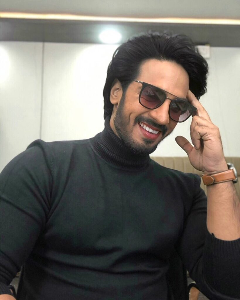Thakur Anoop Singh - The regular  hairstyles look & sitting in the room with smile