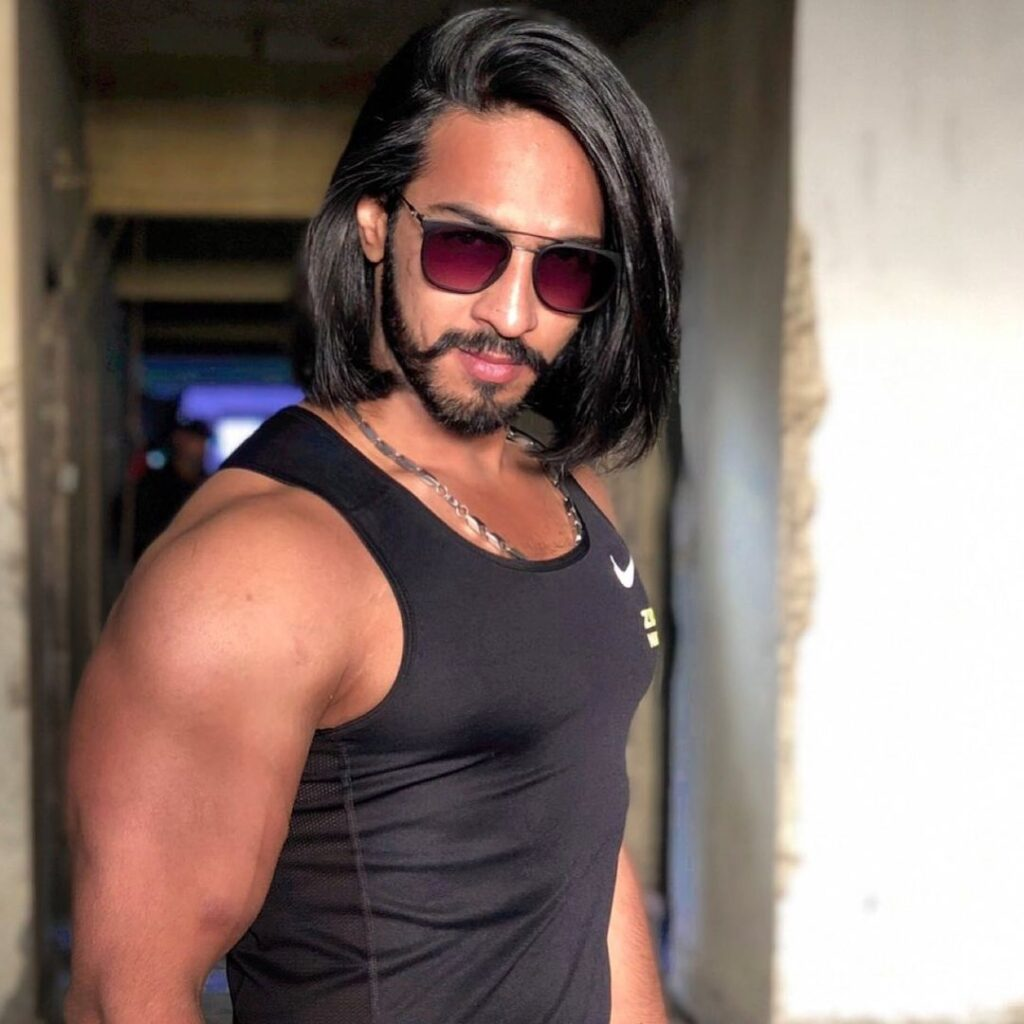 Thakur Anoop Singh The sheen and strong hairstyles look with shades